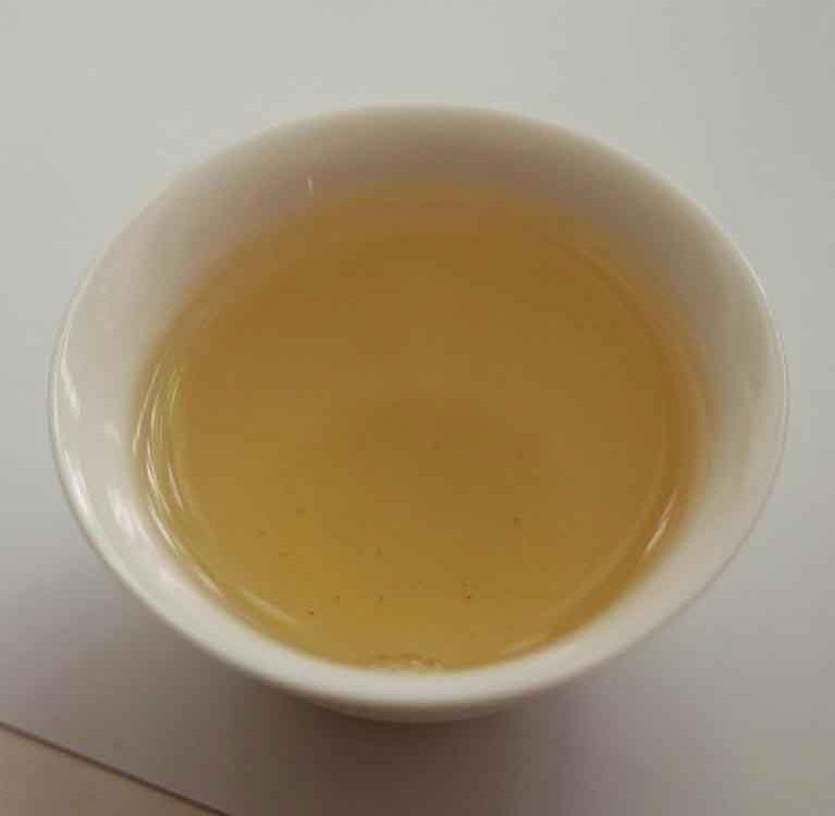 Син Гун И Бай Ча. Белый чай, произведенный по новой технологии